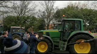 Tractor protest convoy rolls in to Dublin city