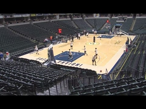 Barr-Reeve practices at Bankers Life Fieldhouse
