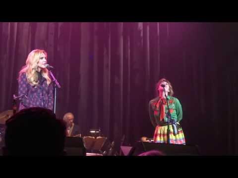 Silver Bells: Martha Wainwright & Alison Krauss