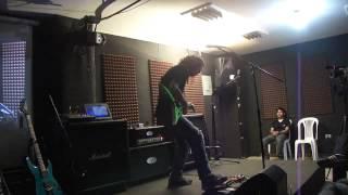 Save The Robots - Francisco Espina - En Vivo Clínica Más Musika