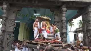 Kanchi Varadarajan - Sri Jayanthi Morning_Kannan Mada Veedhi Purappadu_9m 18s thumbnail