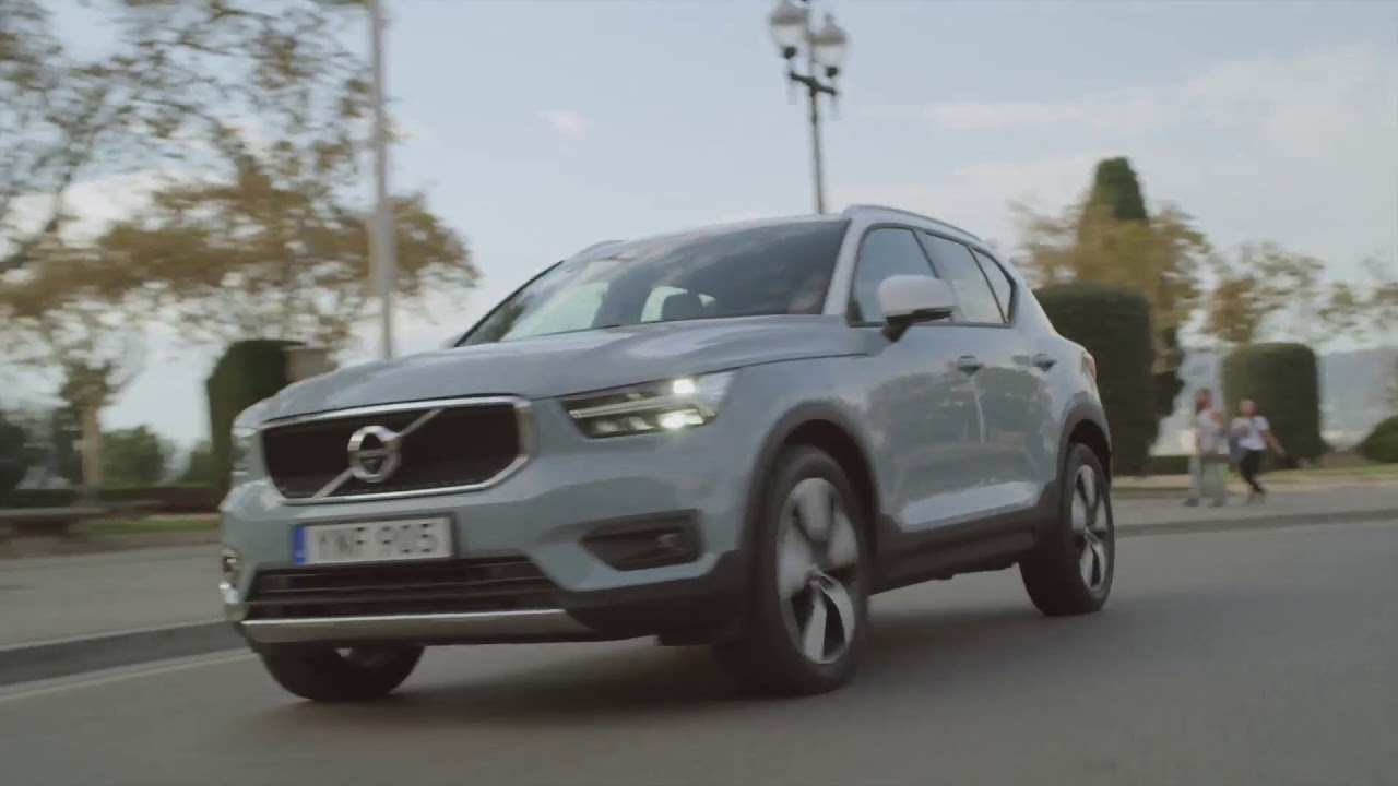 new volvo xc40 d4 momentum amazon blue driving video youtube. Black Bedroom Furniture Sets. Home Design Ideas