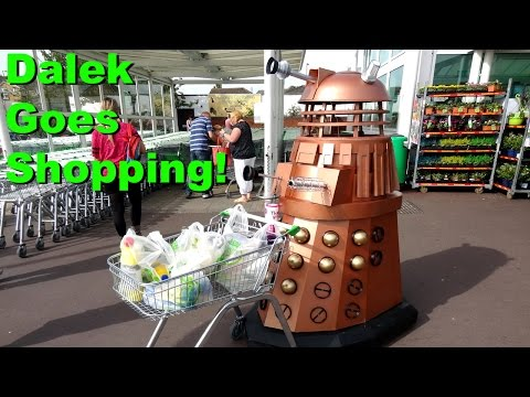 SoMakeIt - Taking the Dalek to the Supermarket and McDonalds!