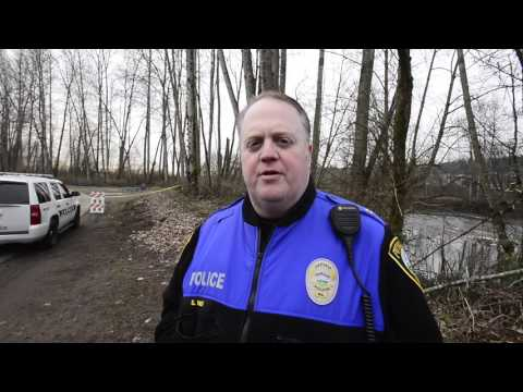 Unidentified body found at Puyallup River