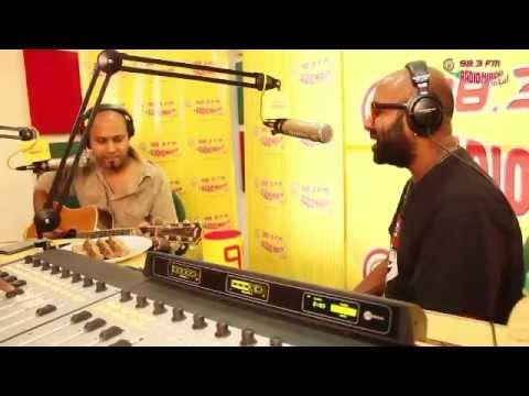Watch Daaru Desi singer Benny Dayal unplugged in Mirchi Studios.