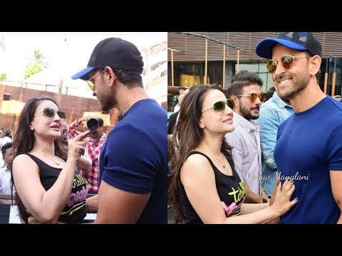 Hit Couple Hritik Rohsan and Ameesha Patel bonding after 15 years  Awwww