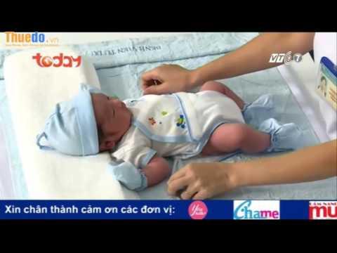 Cách chăm sóc trẻ sơ sinh - Cách thay tã cho trẻ sơ sinh