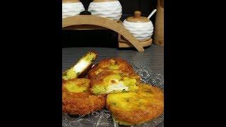 Ma3kouda ( galette de pomme de terre fourré au fromage )