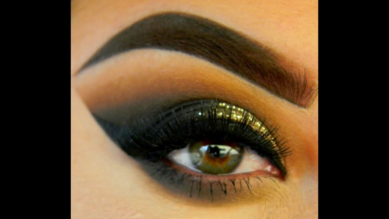 Sharp Edge Eyeshadow Look- Without the Tape!