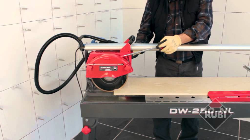 Scie A Carrelages Electrique Rubi Dw250 Nl Youtube