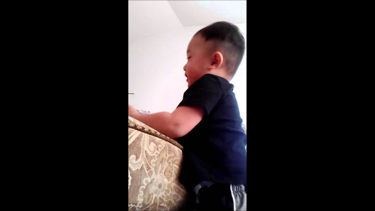 diving-hmong-cam-nephew-tounge