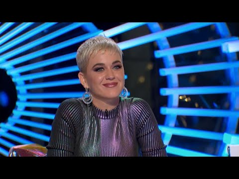 Is Katy Perry Flirting Too Much on 'American Idol?'