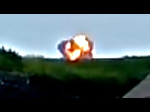Moment of Impact - Malaysia Airlines Jet Crash in Ukraine