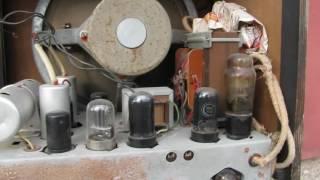 rIGA - 10 .  Ламповый Радиоприемник 1класса