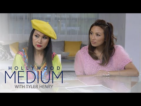 Tyler Henry Connects Jeannie Mai & Her Mom to a Loved One | Hollywood Medium with Tyler Henry | E!