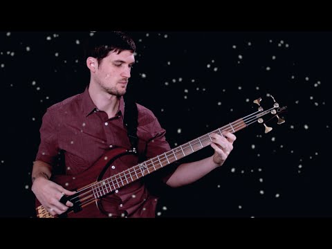 Easy Solo Bass Lesson: Silent Night (Trad. Christmas)