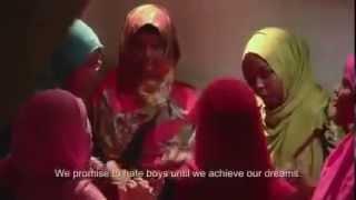 Repeat youtube video Daawo Gabdho Somali ah oo Wacad Ku Marey in Aysan Guursan Doonin Wiilasha Somalida ilaa ay...