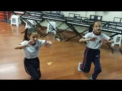 """""""Teléfono"""" ensayo de coreografía de baile Samantha Chacón y Victoria Montenegro ISM AQ"""