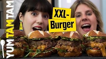 XXL Stuffed Burger // Gefüllter Burger mit Bacon, Cheddar & karamellisierten Zwiebeln // #yumtamtam