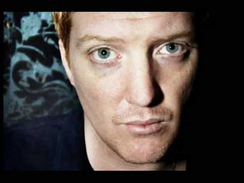Queens Of The Stone Age - Skin On Skin (with lyrics) mp3