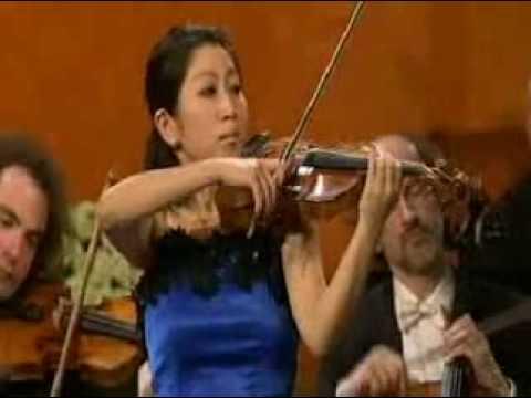 Mayu Kishima | Mozart Violin Concerto # 3 in G | 2nd Mvt | Queen Elisabeth Violin Comp | 2009