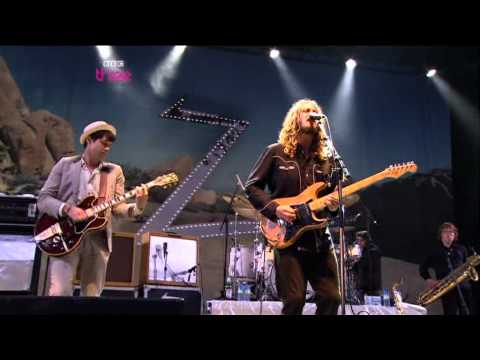 The Zutons feat Mark Ronson   Valerie   Glastonbury 2008