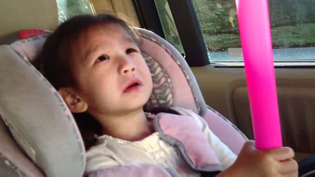 Tiny 3 yrs old thai girl sings adele rolling in t youtube for Tiny thai teen
