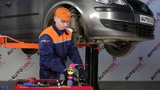 How to change Front Anti Roll Bar Link on VW TOURAN 1T1, 1T2 TUTORIAL | AUTODOC