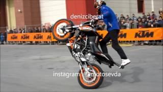 720 p stuntbike show,2017 motoshow,ktm duke 200,whellie,stoppie,drift,