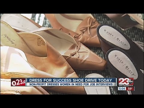 "Bakersfield women can ""Dress for Success"" thanks to Giving Tuesday donations"