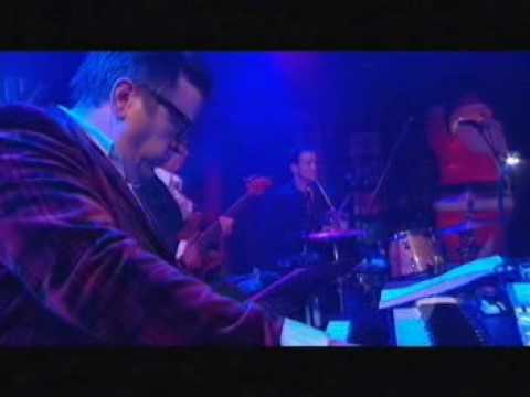 Paul Kelly - How To Make Gravy (RocKwiz Christmas Special)