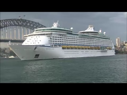 VOYAGER OF THE SEAS Departure From Circular Quay, Sydney