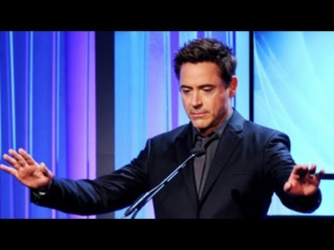 Robert Downey Jr Pokes Fun At Amy Adams At Golden Globe Awards 2014