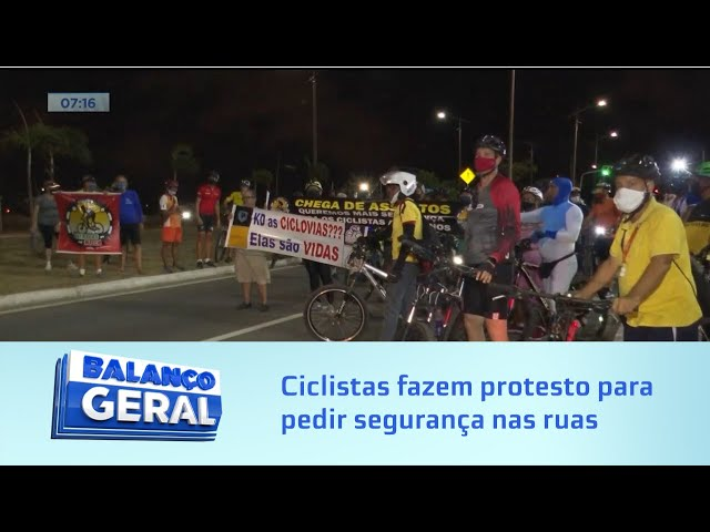 Ciclistas fazem protesto para pedir segurança nas ruas de Maceió