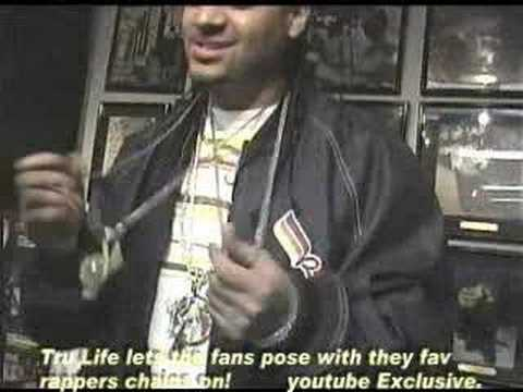 TRU LIFE INSTORE LETS FAN POSE WITH DIPSET CHAINS