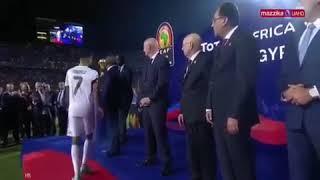 حقيقة تجاهل رياض محرز مصافحة رئيس الوزراء المصري (فيديو) - صحيفة صدى الالكترونية