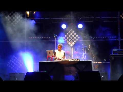 Dj Lof (Rikos) - ouverture Antenne Reunion Tour 6
