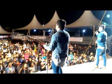 vídeo Andre e Feipe Cantam na Festa Gospel em Poté - MG