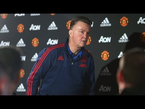 Manchester United Manager Louis van Gaal Walks Out Of Press Conference After Sacking Reports