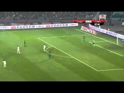 Beijing Guo'an goalkeeper goes on crazy run