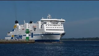 TT-Line Fähre NILS HOLGERSSON: on- & offboard