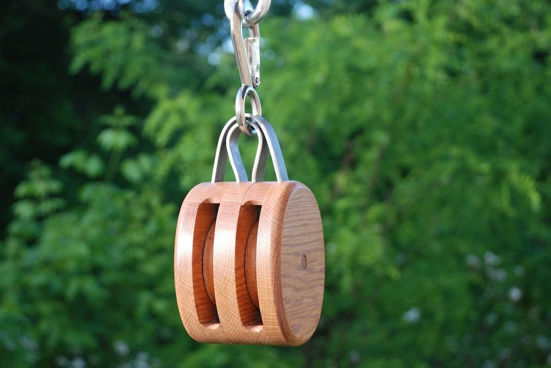 Build a vintage block tackle pulley doovi for Uses for old pulleys