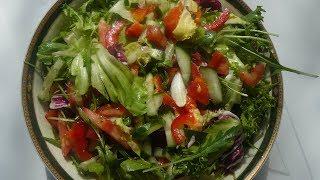 Легкий салат на новогодний праздничный стол. Очень вкусный и простой рецепт.