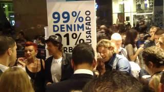 Lapo Elkann e Renzo Rosso alla Vogue Fashion's Night Out: la folla di fans al Diesel Planet!