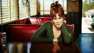 Beth Hart - Picture In A Frame (Live Acoustic)