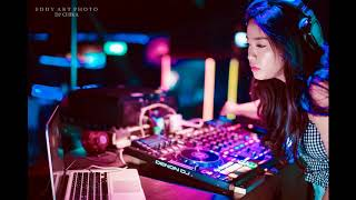 Download lagu SATURDAY NIGHT PARTY