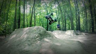 RC Grave Digger Monster Truck Freestyle Crossover Backflip