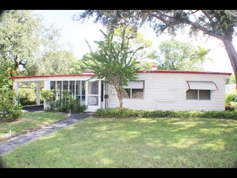 6931 NW 5 Ct