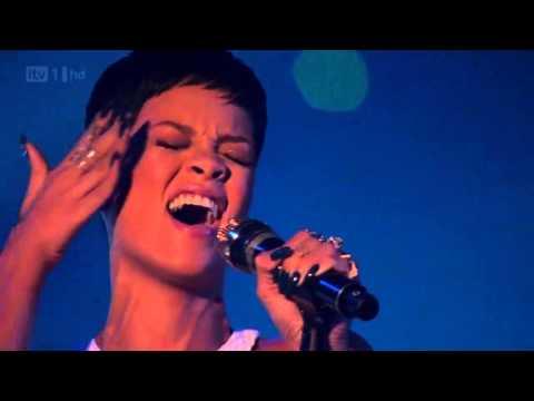 Rihanna _ Live The X Factor Uk 2012 Final HD