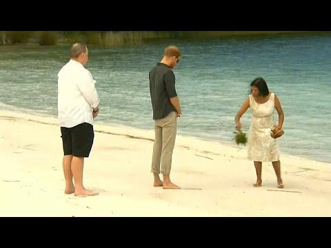 شاهد: الأمير هاري في مياه بحيرة ماكنزي  - نشر قبل 4 ساعة